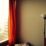 Meine roten Bettlaken-Gardinen!
