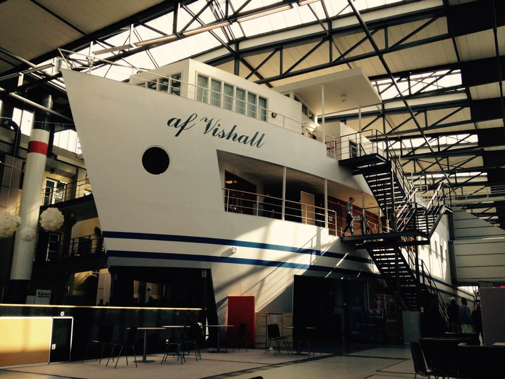 Kranen Halle - Unterricht im Boot