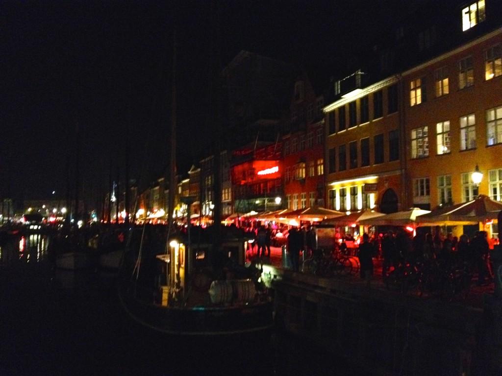 Der Nyhavn bei Nacht